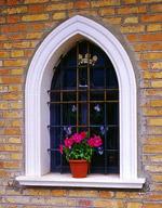 Cornici per finestre ad arco acuto
